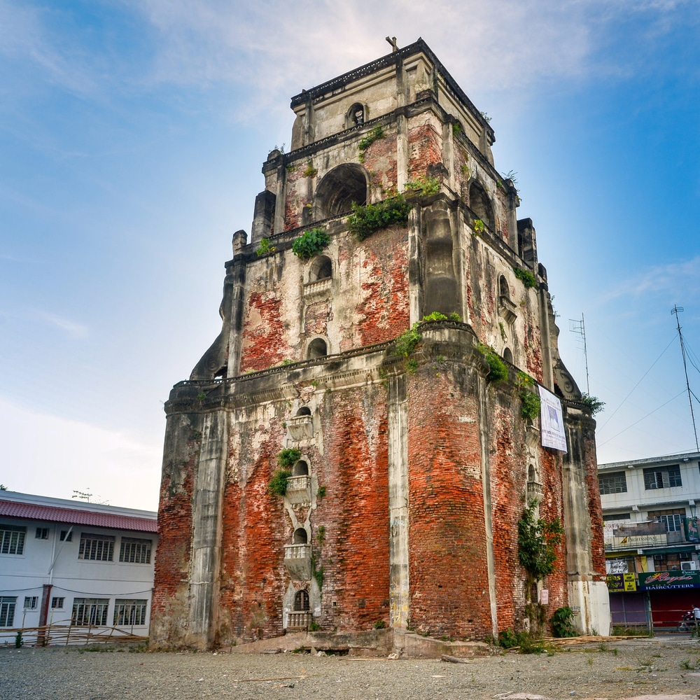 Things to do in Ilocos Norte. Sinking Bell Tower Laoag.
