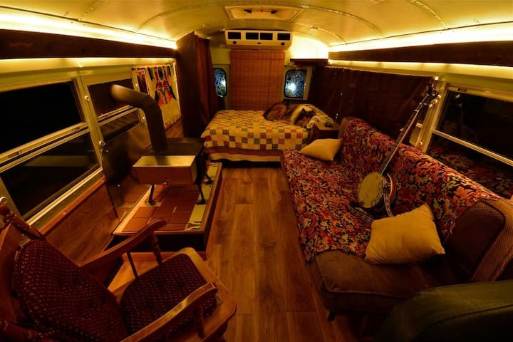 Cool Airbnbs; school bus conversion Shepherdstown,WV